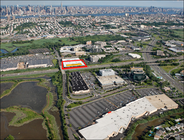 The site location of Aloft Hotel in Secaucus, NJ with INTUS Windows